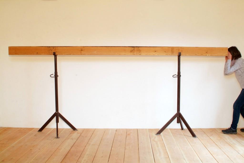 Stollen, 2002, Balken, 380 x 15,5 x 15,5 cm | Tunnel, 2002, beam, 380 x 15,5 x 15,5 cm