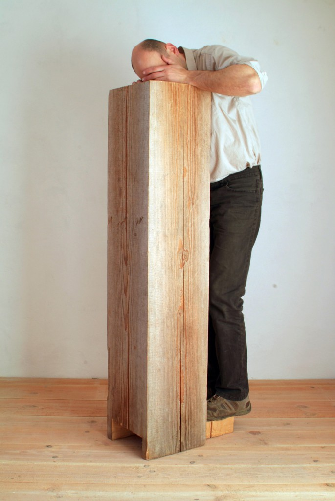 Ambo, 2012, Vierkant, 152 x 31 x 31 cm | Ambo, 2012, square timber, 152 x 31 x 31 cm