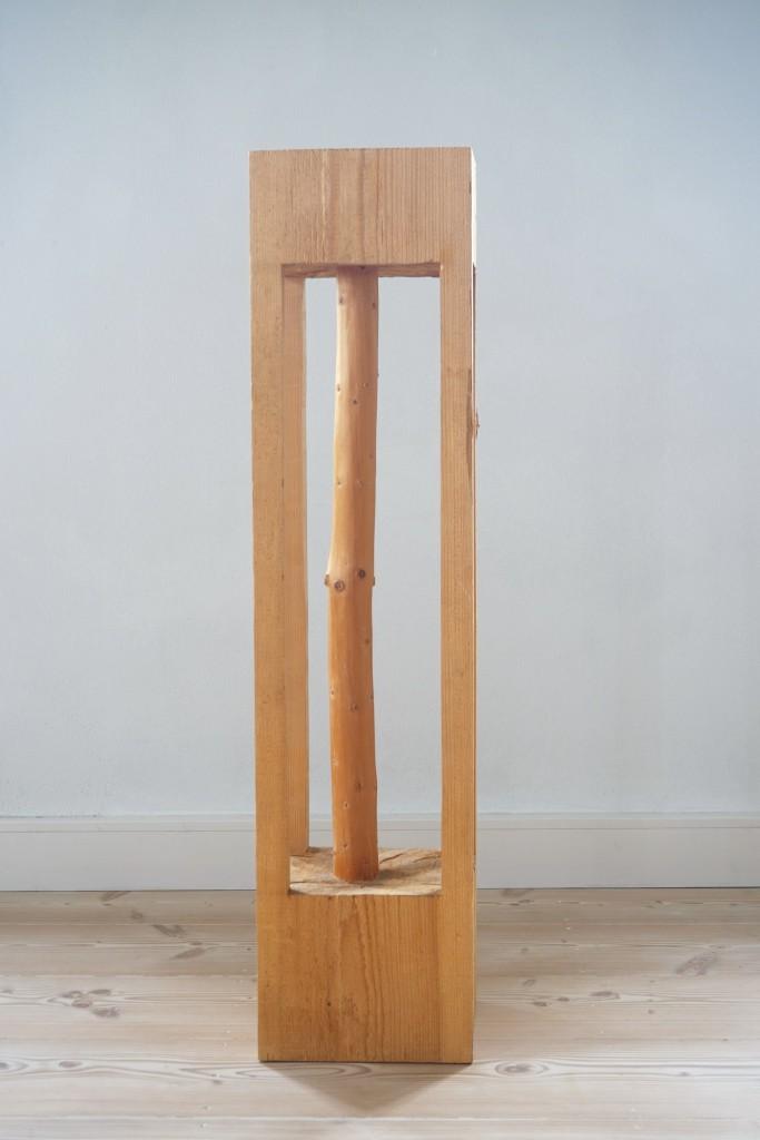 Kerngehäuse, 2005, Vierkant, 128,5 x 31 x31 cm | Core, 2005, square timber, 128,5 x 31 x 31 cm