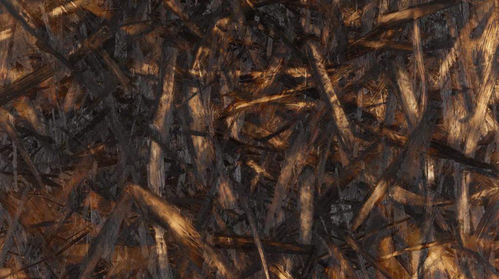 Detail, (o.T., 2018, Kohle auf gebrannter und geschliffener Grobspanplatte, 65 x 65 cm)  | detail (untitled, 2018, charcoal on burned and sanded OSB, 65 x 65 cm)